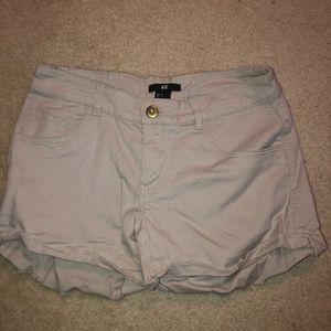women's light wash h&m jean shorts size 4